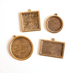 Buy & Try Findings Keepsake-Framed Pendant Antique Gold 1