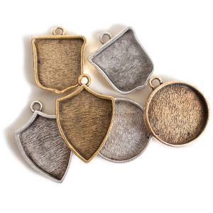 Buy & Try Findings Crest PendantCombo Pack