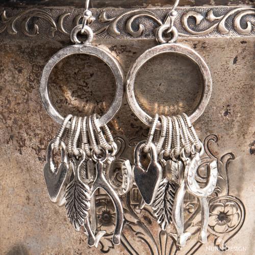 _DSC5920_Lucky_charms_earrings-beauty