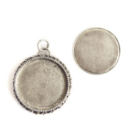 Kit Grande Brooch Circle 32mmAntique Silver