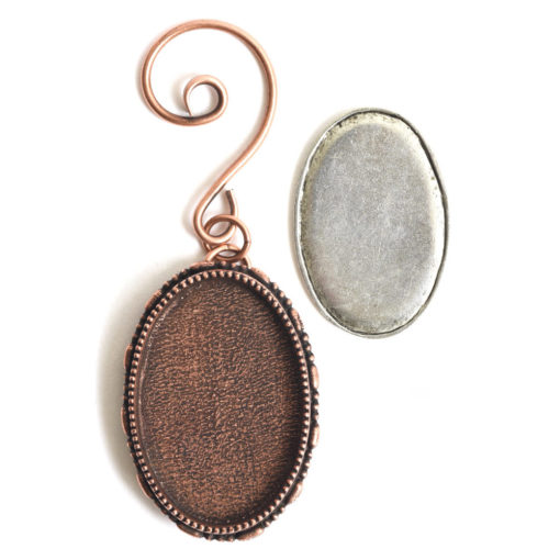 Kit Grande Brooch Oval Ornament 26x39mmAntique Copper