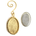 Kit Grande Brooch Oval Ornament 26x39mmAntique Gold