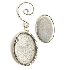 Kit Grande Brooch Oval Ornament 26x39mmAntique Silver