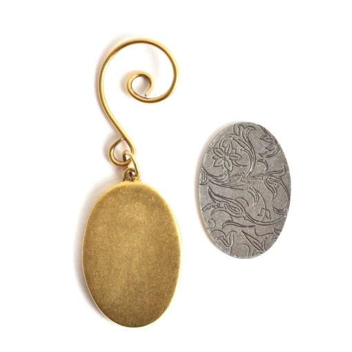 Kit Grande Oval Ornament 26x38mmAntique Gold