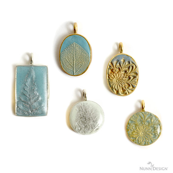 Create Texture with a Silicone Mold, Colorized Crystal Clay, PearlEx Powders and Nunn Design Resin